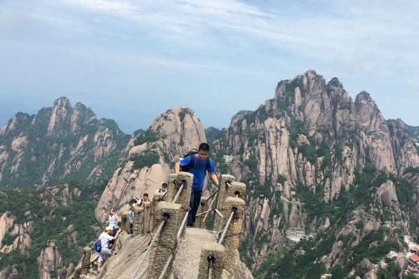 深圳公司组织旅游去哪好?安徽黄山